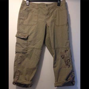 Cache embroidered Capri pants size 6